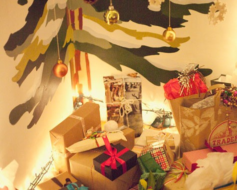 10 Alternative Christmas Tree Ideas Holiday Crafts #2: Alternative Christmas Trees 5 475x381